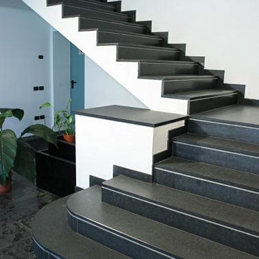 Scale in granito lavorazioni in granito preventivi - Granito per scale ...